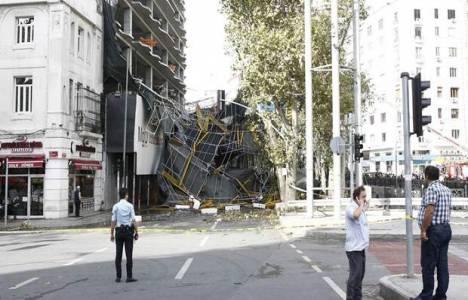 Taksim'deki iskele neden çöktü?