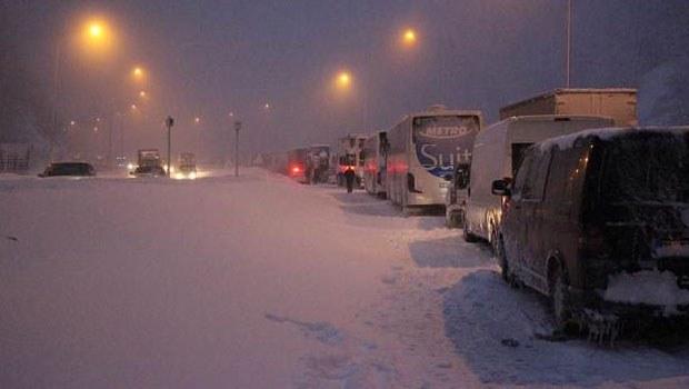 Kara kış ulaşımı aksattı