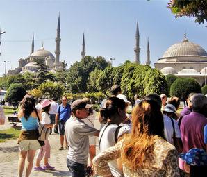 İstanbul'a bir yılda 11 milyon 842 turist geldi!
