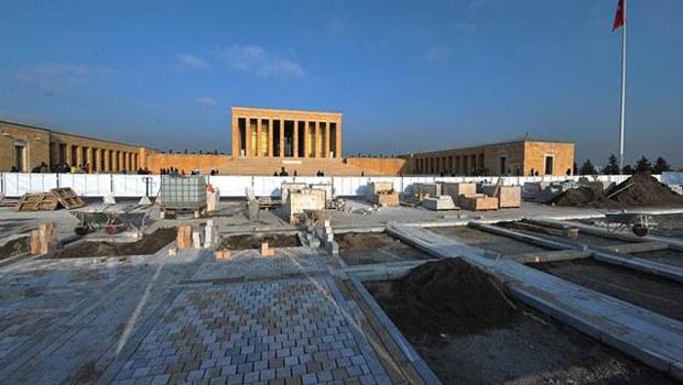Anıtkabir'in 61 yıllık taşları yenileniyor